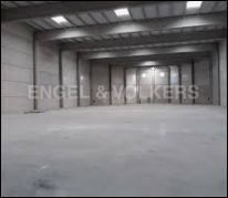 Rent Industrial building in La Marina-Port. Nave logistica con 6 muelles de carga y descarga.
