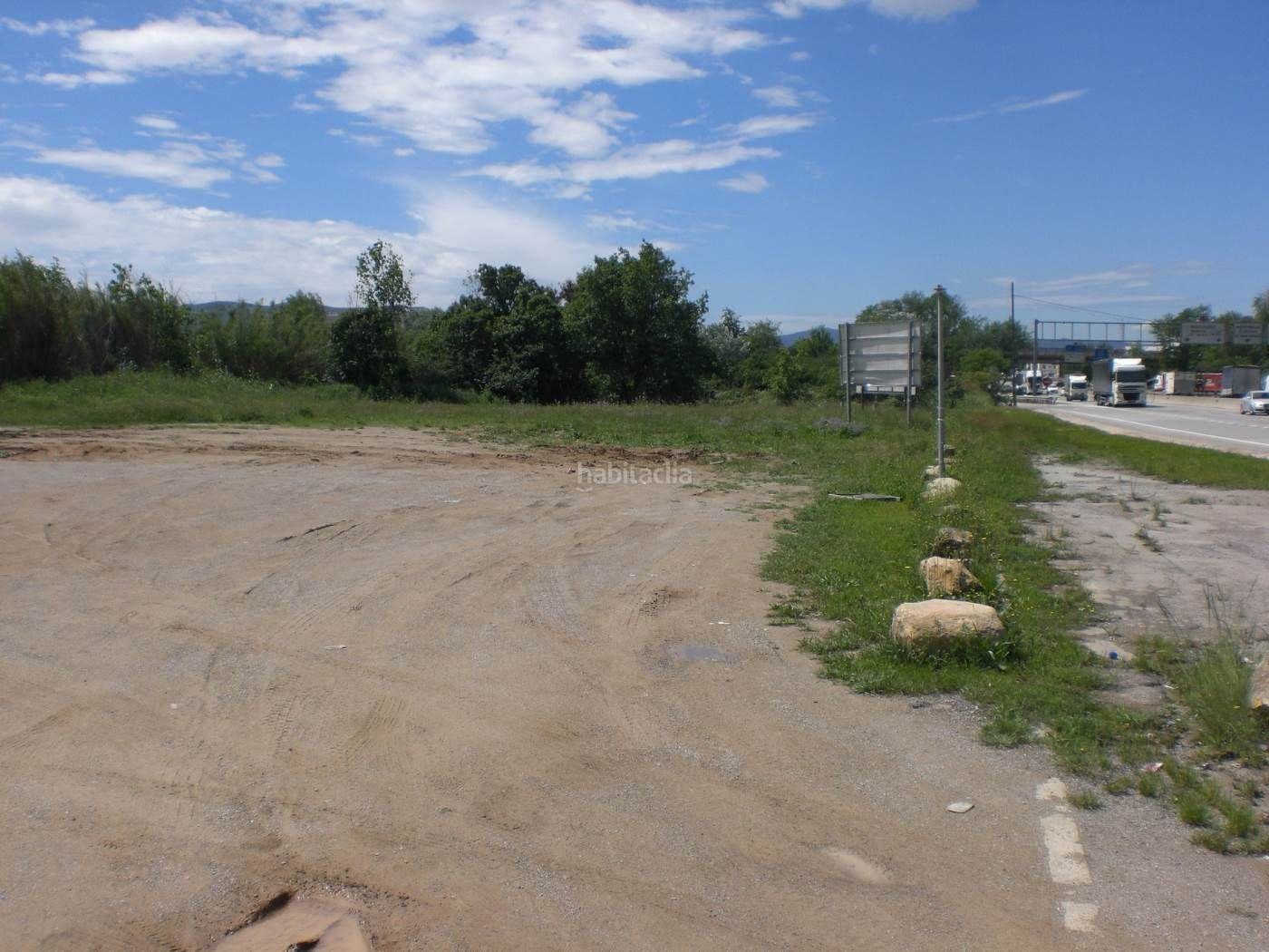 Industrial plot in Parets del Vallès. Terreno industrial en venta en parets del vallès  con fachada a