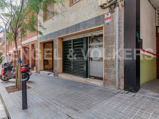 Local Comercial en Putget - Farró. Exclusivo local tipo loft en calle ferran puig