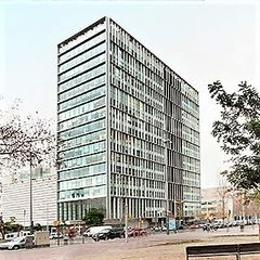 Rent Office space in Porta. Oficina con ascensor, parking, calefacción y aire acondicionado