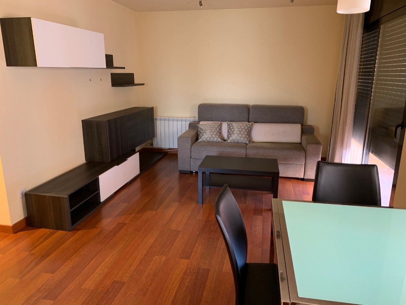 Location Appartement  Carrer eix onze de setembre. Impecable