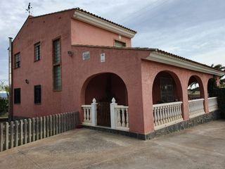 Casa en Núcleo Urbano. Chalet independiente