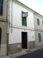House in Carrer Fum, 11