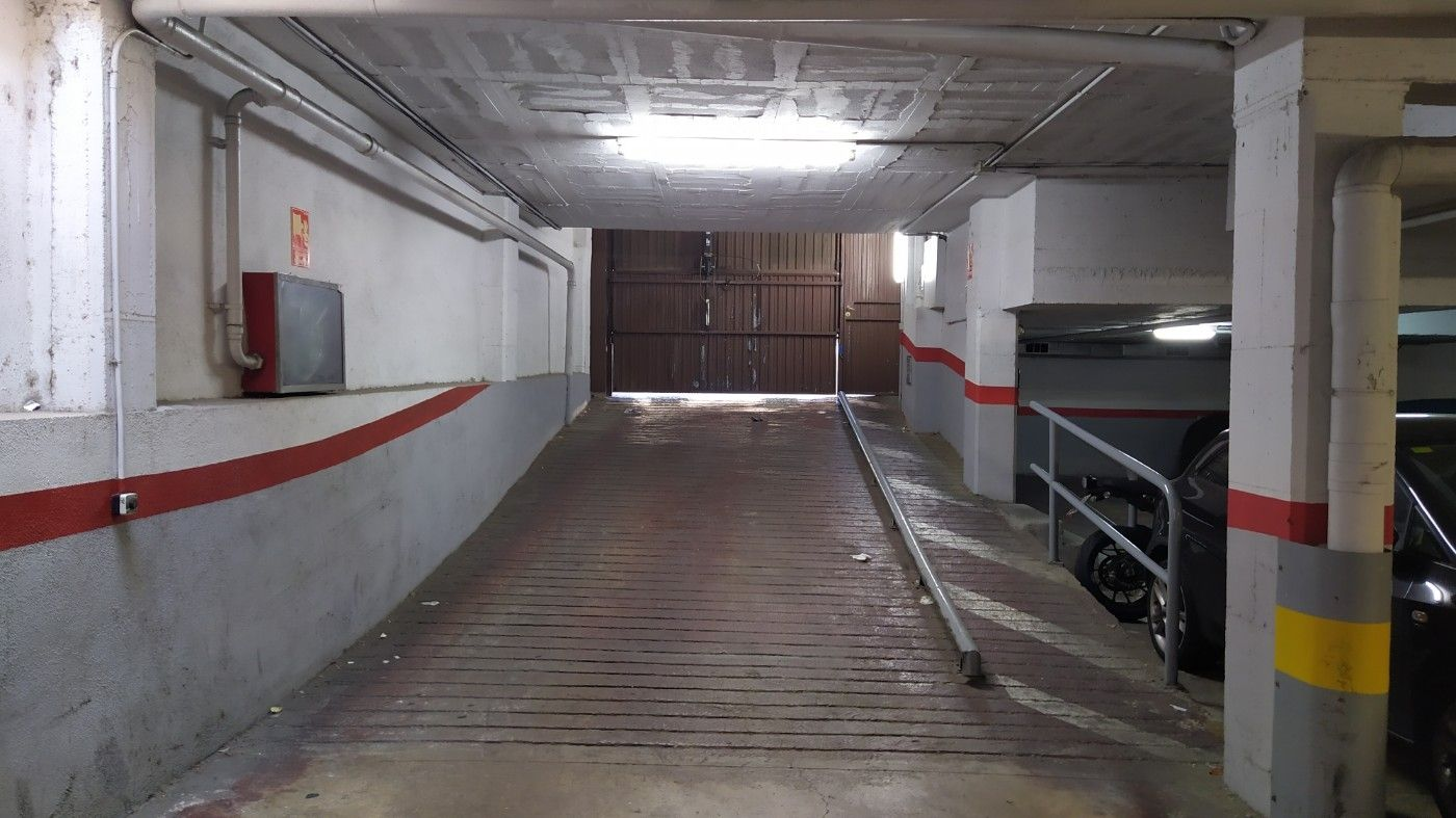 Car parking  Carrer egara. Para inversion parking 33 plazas