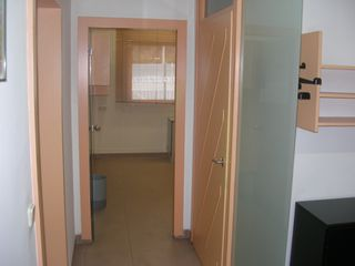 Rent Ground floor in Carrer oviedo, 28. Pis aprop de l´ave