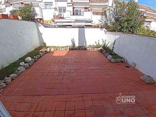 Casa adosada  Cocentaina. Adosada con terraza