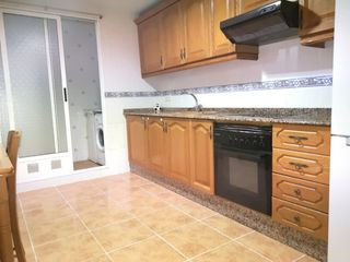 Location Appartement à Catarroja. Piso con 3 habitaciones amueblado con ascensor, parking y aire a