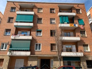 Appartement in Carrer francesc moragas, 8. Piso de entidad bancaria