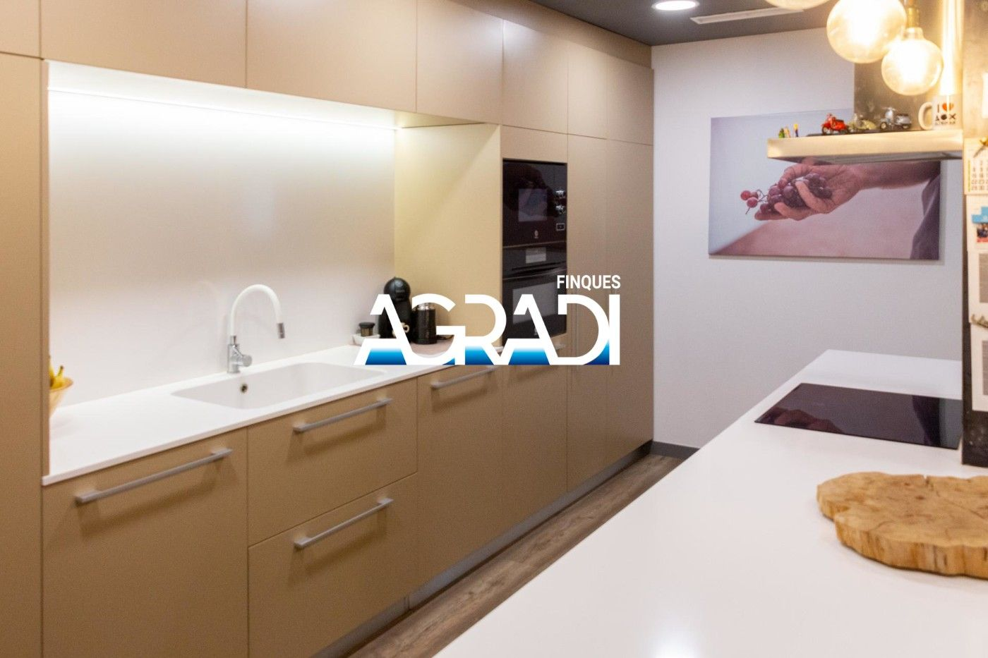 Ground floor  Carrer arcadi viñas. Planta baja reformada exclusiva