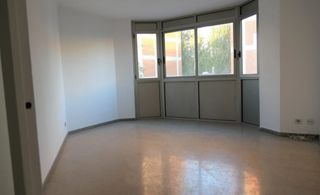 Flat in Carrer travessera, 24. Piso a reformar