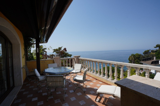 Chalet  Avinguda mediterrani. Villa con vistas al mar