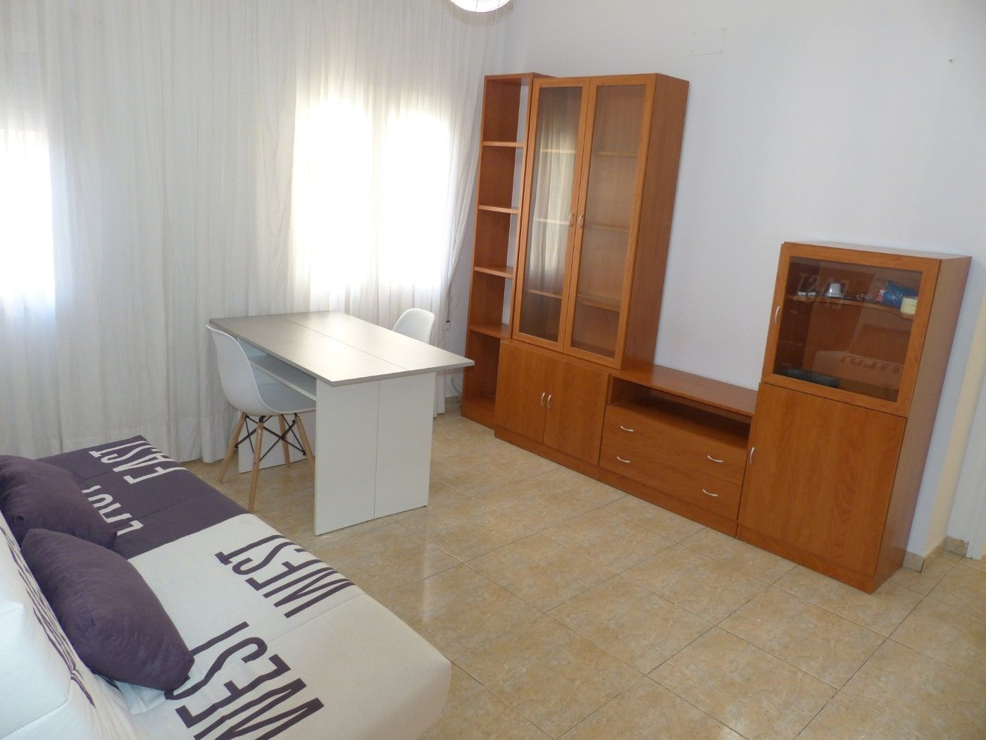 Alquiler Piso  Carrer major de jesus. Disponible apartir del dia 06/04