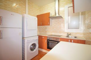 Rent Apartment  Carrer riera. Centrico