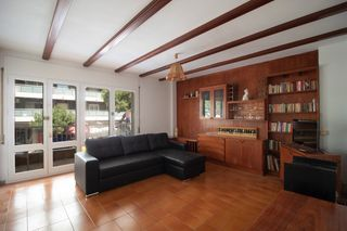 Rent Apartment  Carrer turisme. Piso grande
