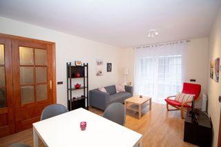 Rent Apartment in Carrer bruguera, 289. Aparamento central.