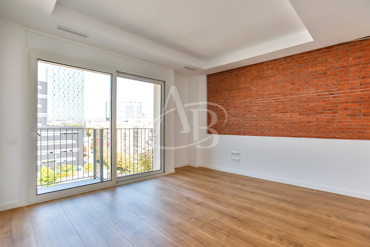 Rent Apartment in Poblenou. Obra nueva