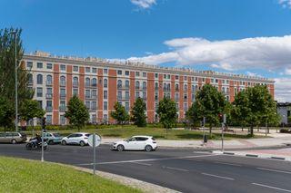 Rent Duplex en Avenida de san luis 26. Dúplex con 3 habitaciones con ascensor y parking
