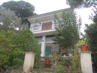 House  Urbanización maçanet de la selva. Casa de dos viviendas en maçanet