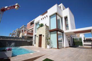 Chalet en Playa Honda-Playa Paraíso. Villa de lujo en playa honda mar menor cartagena. modelo laguna