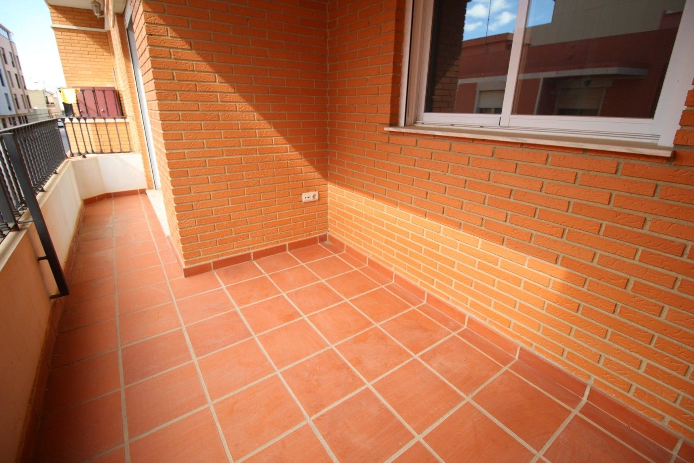 Flat in Calle borriana, 19. Oferta bancaria