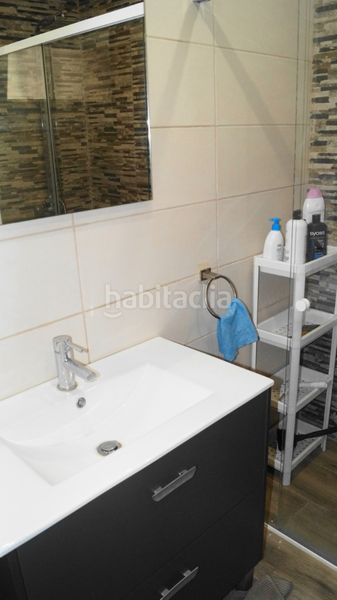 Baño completo con ducha. Ground floor with fireplace heating parking in Ametlla del Vallès (L´)