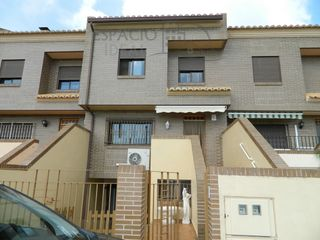 Semi detached house in Ronda 9 d´octubre, 26. Adosado con vistas despejadas!!!