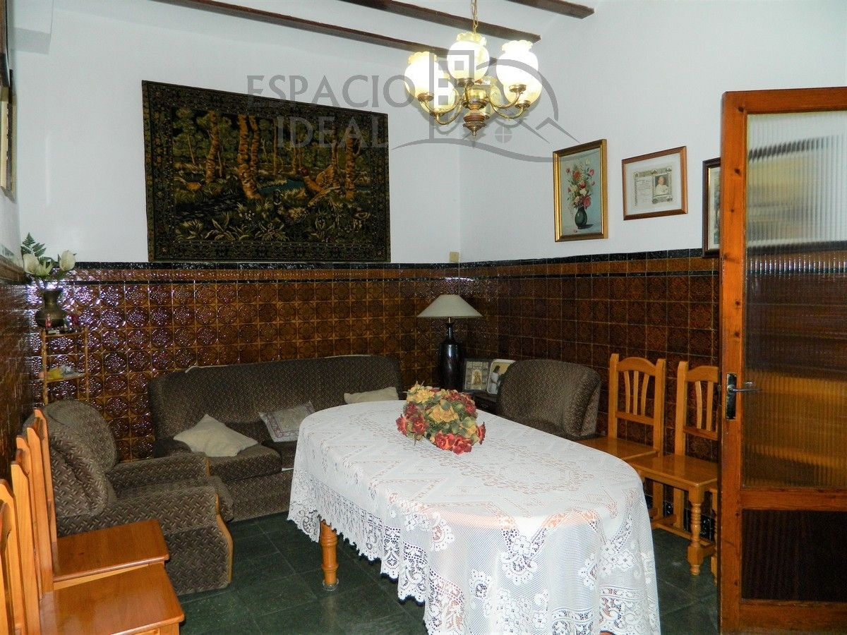 Semi detached house in Calle merce, 19. Gran casa de pueblo!!!