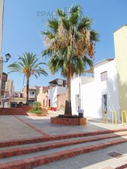 Semi detached house in Calle mestre giner, 12. Casa para reformar!!!