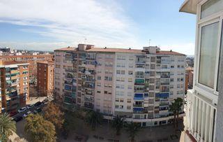 Appartamento in La Roureda. Piso alto muy luminoso ,todo ext