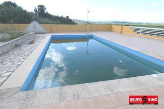 Xalet  Urbanizacion monte jucar. Chalet con piscina alberic.