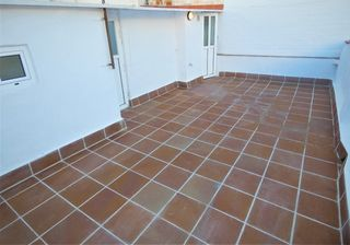 Rent Semi detached house in Sant Crist. Casa reformada con terraza
