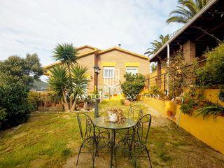 Casa  Sant fost de campsentelles. Bonita casa a cuatro vientos