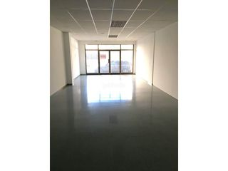 Business premise in Olot. Local comercial en venta en olot