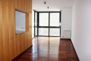 Dúplex  Passeig d'olot. Dúplex con 3 habitaciones con ascensor y calefacción