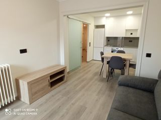 Rent Apartment in Clot-Príncep de Viana. Apartamento con 2 habitaciones amueblado con ascensor, parking y