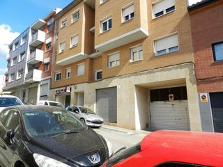 Parking coche en Carrer jacint verdaguer, 50. Parking y trastero en venta