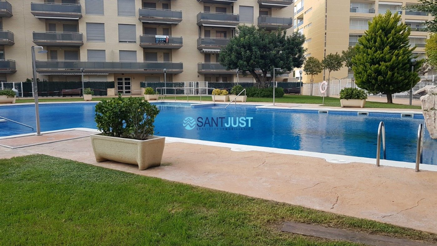 Apartment in Carrer amadeu vives (d´), 10. Apartamento seminuevo