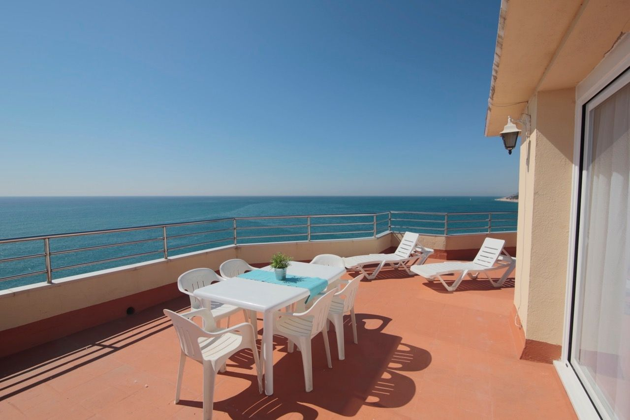 Holiday lettings Penthouse in Passeig martim, s/n. Espectacular atic 1 linia de mar