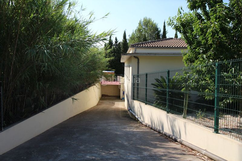 garage. Chalet mit kamin heizung parking pool in Sa Pobla