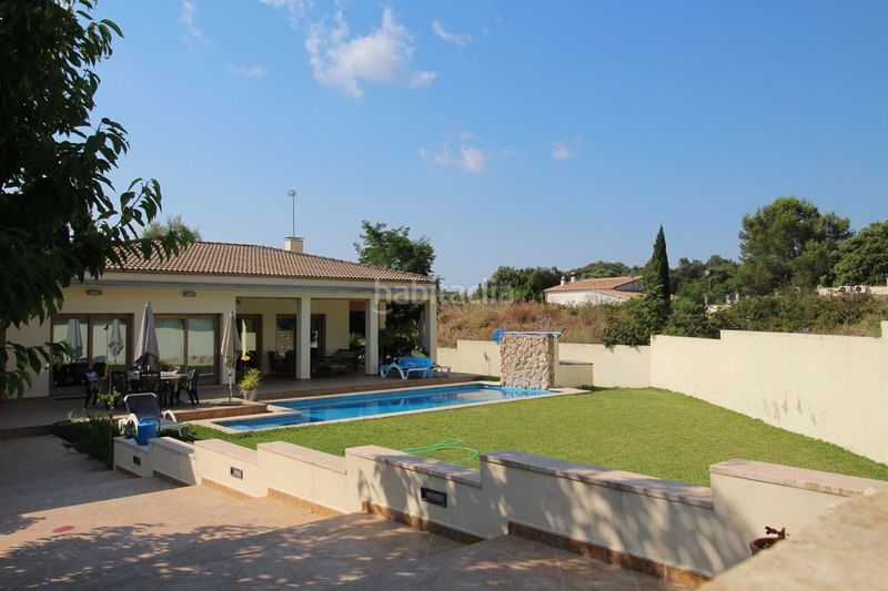 Jardín con piscina privada. Chalet mit kamin heizung parking pool in Sa Pobla