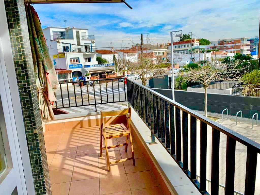 Appartement lluminetes. Appartement in miete in castelldefels, lluminetes nach 1200 eur.