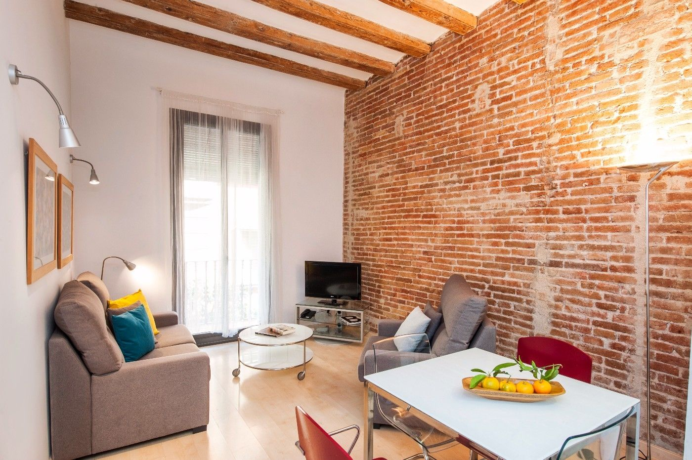 Holiday lettings Apartment in Carrer sant agusti, 16. Gracia en calle semi peatonal