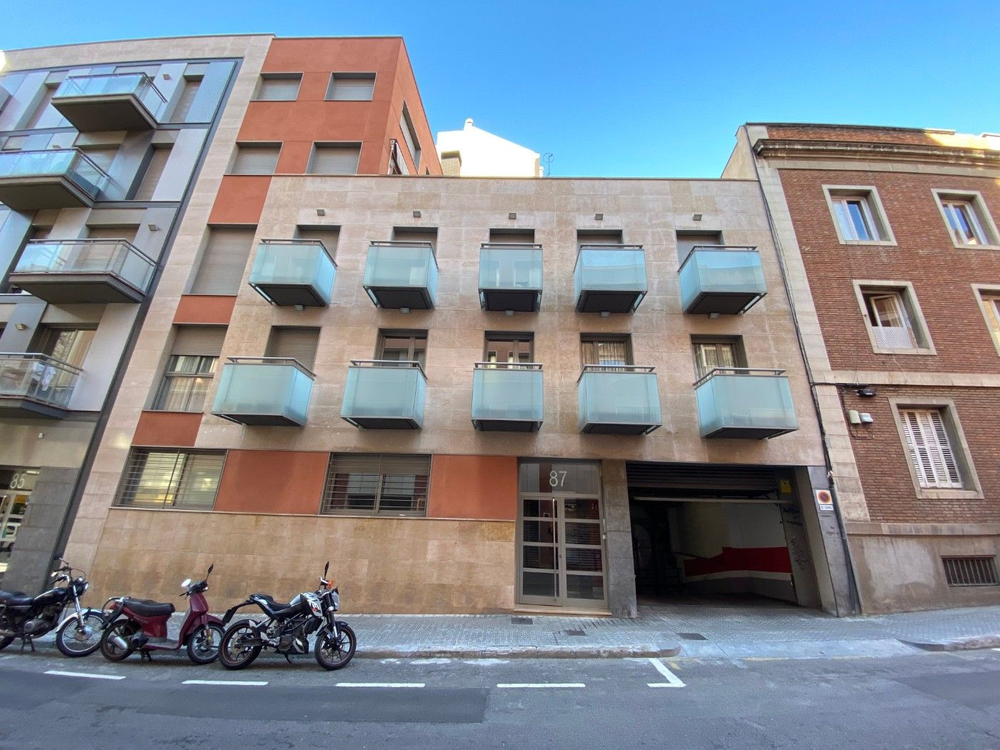 Parking coche en Carrer sant lluis, 87. Pk coche mediano