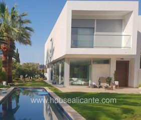 Chalet  Zona residencial cerca de servicios. Modern design, high qualities
