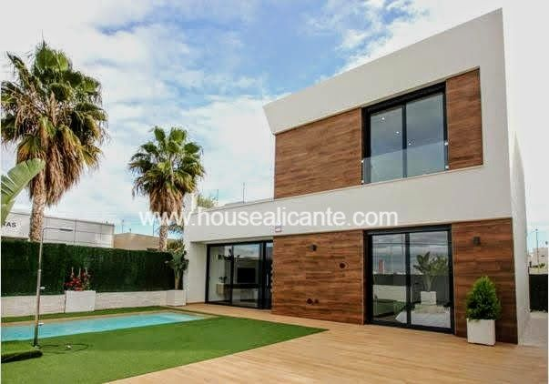 House  Cerca de la playa, zona tranquila. Several finishings, ask for info