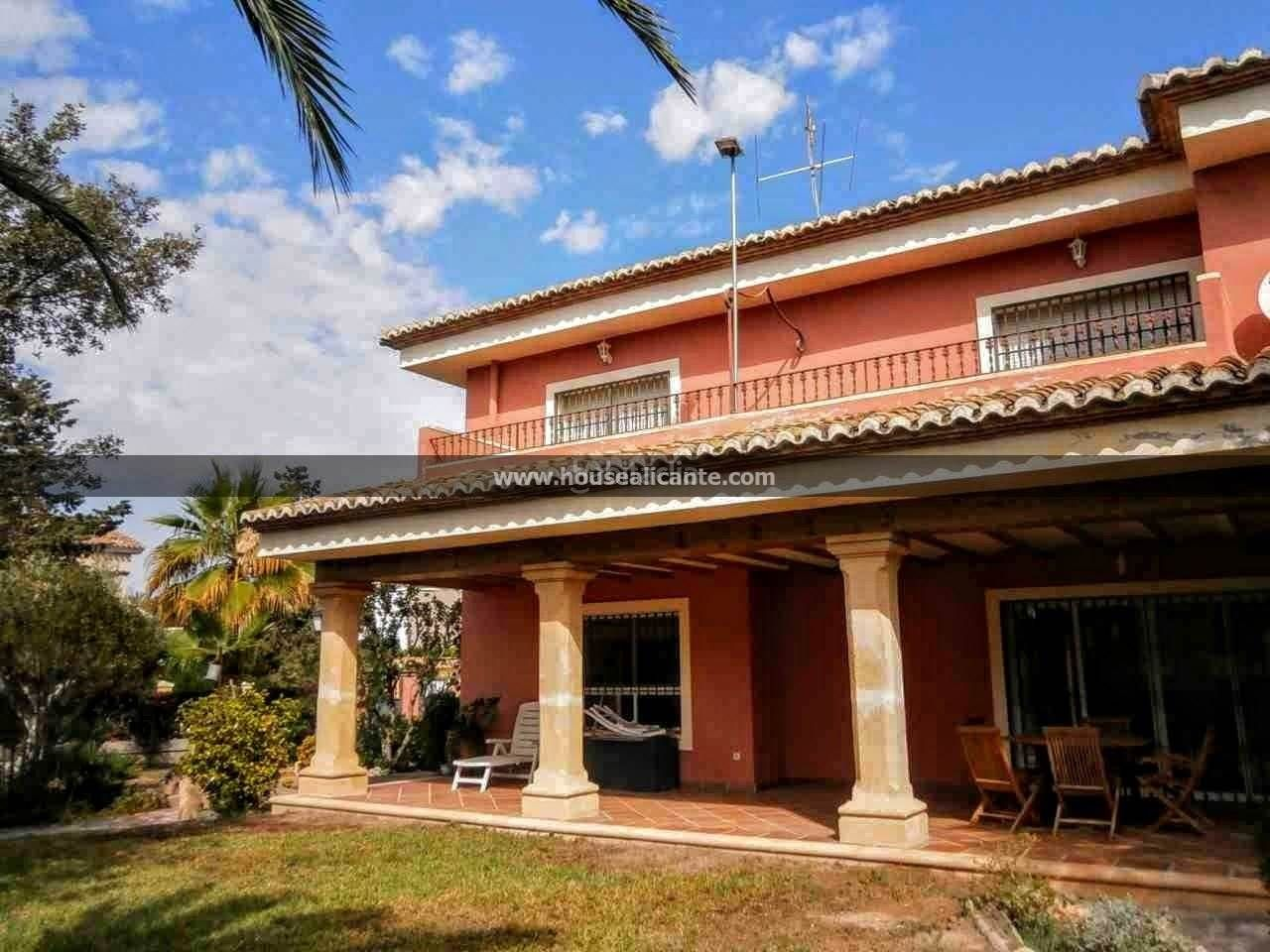 Chalet  Residential quiet area, close to san juan. 455 m2, 6 bed roomed house