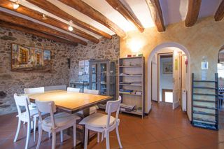 Country house in Sant Climent Sescebes. Casa rural a sant climent sescebes