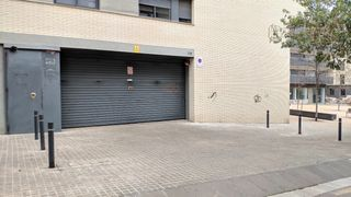 Parking coche en Carrer alarcon, 30. Se venden parkings y trasteros
