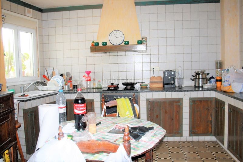 Cocina. House with fireplace heating parking in Canet de Mar