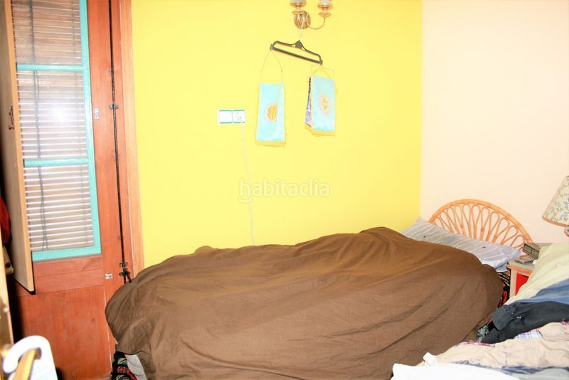 Dormitorio. House with fireplace heating parking in Canet de Mar